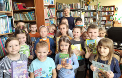 Lekcja w szkolnej bibliotece